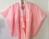 Vintage 80s / Girls / Light Pink and White / Kimono / Robe / Size Medium