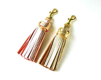 Leather tassel keychain, Gold or Rose gold Tassel key fob, Leather bag charm, Leather tassel charm, Leather tassel key fob, Gift for her