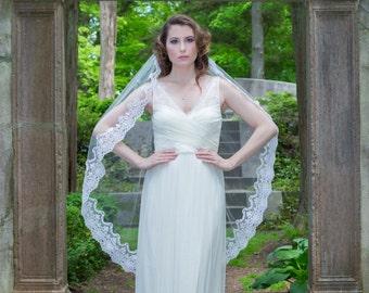 Wedding Veil - Fingertip Veil with Vintage Beaded Bridal Alencon Lace