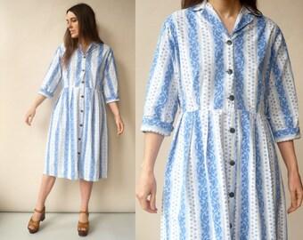 1950's Vintage Light Blue Floral Cotton Day Dress Size Large