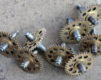 Vintage clock iron shaft with brass gears -- set of 8 -- D9