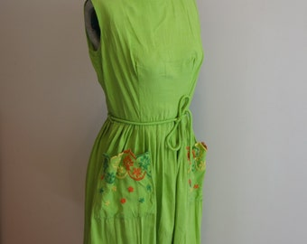 Dress lime green with embroidered pockets rockabilly fit flare 1950s L