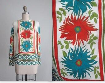 60's Floral Top  // Vintage 1960's Bold Floral Print Blouse Top L