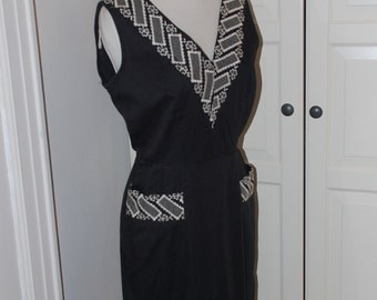 50s Dress, Wiggle, Hourglass, Cotton, Black, Embroidered Neckline, Pockets, Size M