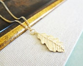 Leaf Necklace. Gold Leaf Pendant. Leaf Charm. Nature Inspired Jewelry. Simple Oak Leaf Drop