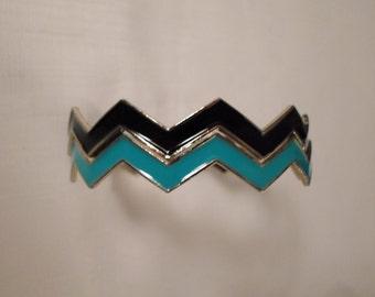 WAVY BANGLES / Bracelets / Chevron Zig-Zag Design / Jewelry Set / Enamel / Op Art / Modernist / Retro / Chic / Trendy / Accessories Lot