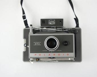 Vintage Polaroid Automatic 340 Land Camera