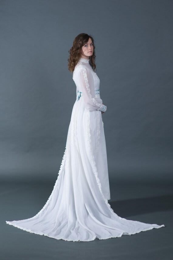 Vtg 1950s wedding dress bridal gown with blue trim and for Wedding dress with blue trim