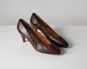 SALE vintage 1960s shoes / 60s heels / Steno Pool