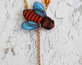 Bumble Bee Felt Picture Art Deco Hanging Charm Glass Beads Gold Tone Jewelry Necklace