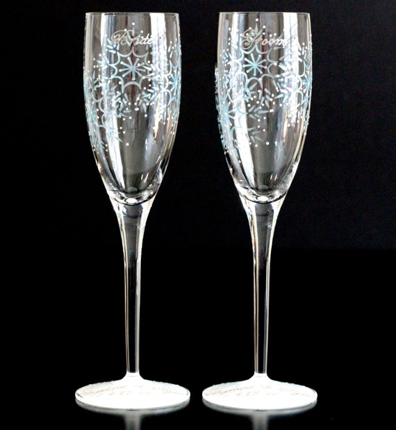 winter champagne flutes snowflake wedding toasting glasses. Black Bedroom Furniture Sets. Home Design Ideas
