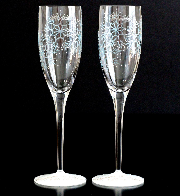 winter champagne flutes snowflake wedding toasting glasses. Black Bedroom Furniture Sets. Home Design Ideas