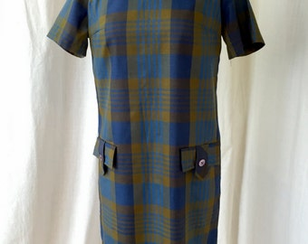 1960's Shift Dress /Size 12 (M) / 1960's plaid cotton dress in blue and green / Minidress, pocket detail, retro mod bold print
