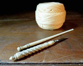 Two Antique Bone Crochet Hooks / Victorian Crochet Hooks / Antique Hand Carved Bone Crochet Hooks / Antique Crochet