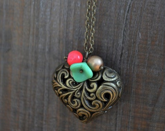 Long necklace - Sautoir - Coeur - Valentine - Heart - Mint flower - Coral - Gold - Vintage inspired jewelry