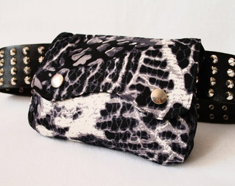 "Belt Pouch 2.0 ""Reptiles & Bats"" with print in black, gray and white"