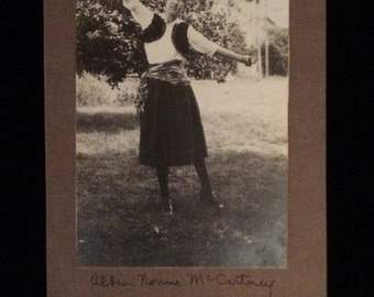 1917 Woman Dancing Photo Calendar Vintage Victorian Cabinet Card Studio Portrait