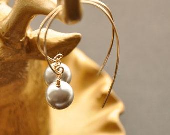 Gray Pearl Earrings, Pearl Drop Earrings, Gold Hoop Earrings, Gold Dangle Hoop, Gray Pearl Jewelry, Modern Jewelry