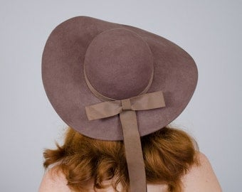 1970s vintage hat / wide brim brown wool hat / Madcaps