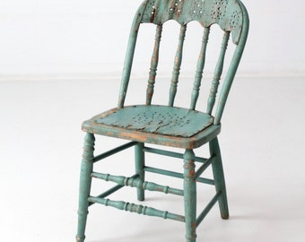 FREE SHIP antique primitive wood chair, spindle back green chair