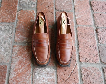 Vintage Womens 8 Cole Haan Cognac Brown Leather Slip On Loafers Penny Loafer Dress Casual Preppy Boat Deck Shoes Boho Student Summer Fashion