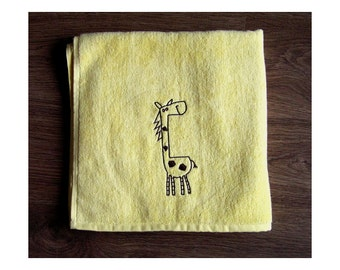 Giraffe - Embroidered bath towel
