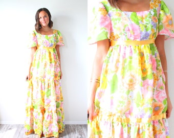 Vintage boho maxi floral garden dress // summer spring floral fall tiered dress // bohemian summer maxi dress // multicolored ruffle dress