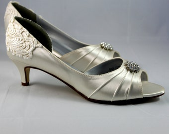 Ivory Wedding shoes -SALE Wedding shoe low heel Size 8.5 - - Alana