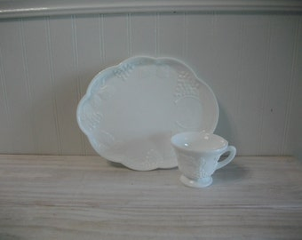 White Milk Glass Luncheon Set - Indiana Glass Milk Glass Colony Harvest Grape Pattern Plates and Cups - Shower Snack Set