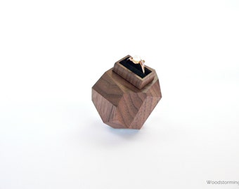 Ring box | engagement ring box | proposal ring box | personalized gift | gift for her | faceted wood | unique anniversary gift Woodstorming
