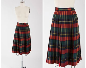 1950s Vintage Skirt • Flowers in December • Plaid Reversible 50s Pleated Turnabout Skirt by Pendleton Size Small