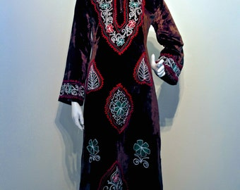 Vintage 60s 70s VELVET KAFTAN Maxi Length with Embroidery Bell Sleeves and Hood // Bohemian Gypsy Hippie // India Made
