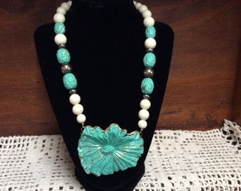 Vintage Turquoise And White Necklace turqoise Flower