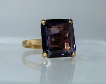 Vintage Ring 18k Yellow Gold and Synthetic Sapphire Alexandrite Size 7 Ring Cocktail Ring Jewelry DanPickedMinerals