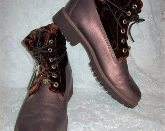 Vintage Ladies Copper Brown Waterproof Leather Ankle Boots by Timberland Size 11 Only 25 USD