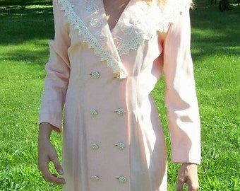 Vintage 80s Ladies Pink Dress w/ White Lace Trim by Rampage Size 7/8 Only 9 USD