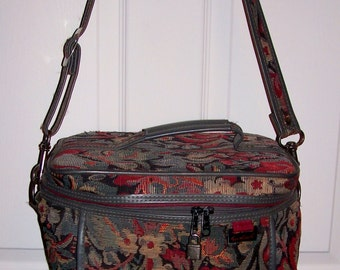 Vintage Green Floral Print Train Case Carry On Shoulder Bag by Gloria Vanderbilt Only 12 USD
