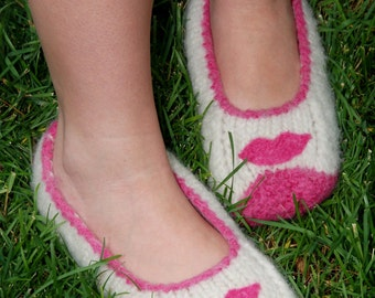 Lip Smacking Felted Slippers  (Ladies Sizes)