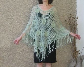 Vintage crocheted poncho, free size