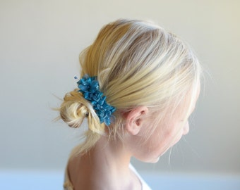 The Wood Anemone: Flower Girl Hair Clip in Turquoise