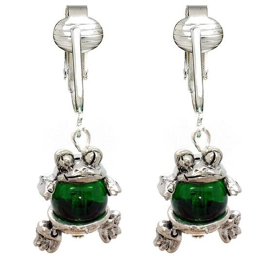 cute green frog clip on earrings for girls kids ladies. Black Bedroom Furniture Sets. Home Design Ideas