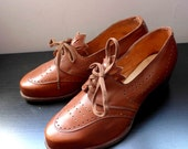 NEW YEAR SALE - Amazing French Nos 1940's Bright Brown Leather Shoes - Size 36