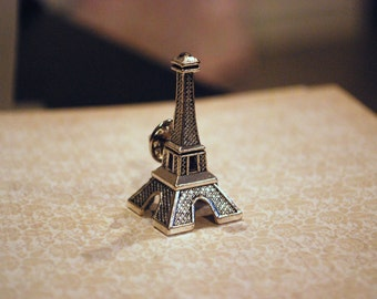 Eiffel Tower Pin -- Je T'aime Paris, Silver Eiffel Tower Pin/Brooch