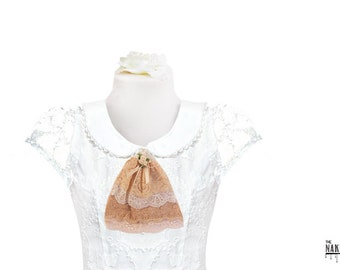 J2 Beige and Creams Lace Jabot