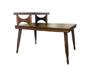 Vintage End Table - Mid Century Modern Step End Table, Vintage 2 tier Side Table Vintage Furniture, Faux Wood Grain Table, Retro Living Room