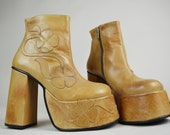 90s Grunge Hippy Toffee Beige Leather Floral Applique Chunky Heel Platform Ankle Boots UK 4.5 / EU 37.5 / US 7