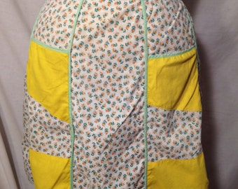 Vintage White and Yellow Floral Half Apron SM13