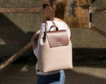 VENTE - feutre et cuir sac à DOS / sac à dos en feutrine / sac en feutrine / sac a dos / sac à dos beige / laine feutre / fabriqué en Italie