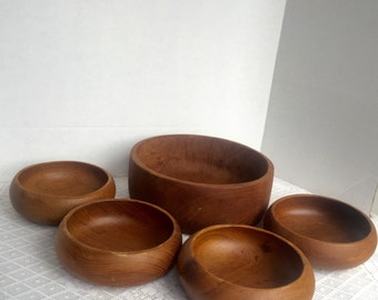 Wooden Salad Bowl Set / Vintage Serving Dishes / Rustic Dining Bowls