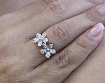 Diamonds flowers 18k gold ring